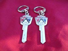 Vintage Tupperware magnets keychains Lot -- Antique Price Guide Details Page Antique Safe, Antique Stores, Vintage Paper Dolls, Antique Dolls, Coca Cola, Little Gift, Skeleton Clock, Car Key Holder, Car Key Ring