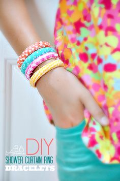 DIY { shower curtain ring} Fabric Bracelets - Super affordable and easy to make! Armband Tutorial, Bracelet Tutorial, Diy Bracelet, Crafts For Teens, Crafts To Make, Fun Crafts, Crafts Cheap, T-shirt Refashion, Do It Yourself Inspiration