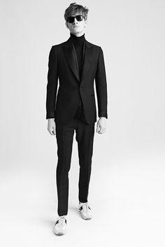 「トム フォード(TOM FORD)」が2015-16年秋冬メンズ・コレクションをロンドンで発表した。