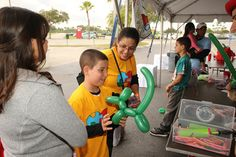 The annual Dan Marino Foundation WalkAbout Autism & Expo is a signature community event that provides many great opportunities to get involved and raise funds for the local autism community! Register your team today by visiting www.dmfwalkaboutautism.org