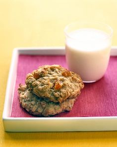 Oatmeal-apricot cookies