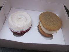 What would Martha do : Red Velvet Cupcake & Whoopie Pie from Magnolia Bakery