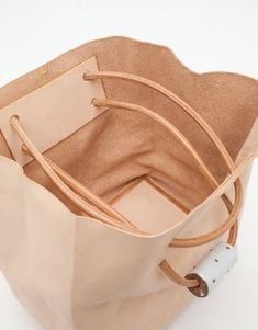 Jujumade / Tote Bag Mid-size vegetable tanned supple leather tote bag from Juju. Jujumade / Tote Bag Mid-size vegetable tanned supple leather tote bag from Jujumade. Leather Cord, Leather Craft, Leather Purses, Leather Bags, Leather Totes, Handmade Leather, Leather Backpacks, Leather Briefcase, Pink Leather