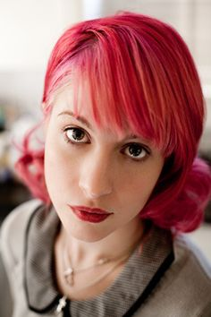 dark pink hair. hayley williams