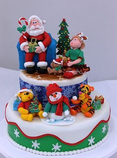 Cute Christmas cake with Winnie-the-Pooh and Tigger!