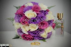Buquê de noiva com rosas e lisianthus