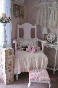 Shabby Chic home decor tips ref 9525153185 to get for a really smashing, stunning escape. Simply jump to the link this instant for bonus details. Shabby Chic Mode, Style Shabby Chic, Shabby Chic Farmhouse, Shabby Chic Interiors, Shabby Chic Pink, Shabby Chic Bedrooms, Shabby Chic Kitchen, Shabby Chic Furniture, Farmhouse Shutters