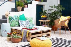 Creative outdoor area. Note the Pallet bench. Get the look: http://www.mattblatt.com.au/Side-Tables/The-Matt-Blatt-Grand-Drum-Colour.aspx?p7482c6#7495