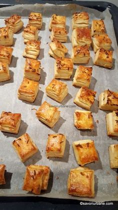 Salts with cream, cheese, butter or lard - puff pastry Baby Food Recipes, Cooking Recipes, Good Food, Yummy Food, Creative Desserts, Romanian Food, Pastry And Bakery, Savory Snacks, Cata