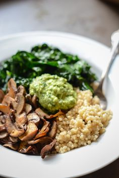 Super vegan bowl with parsley cashew pesto | Scaling Back