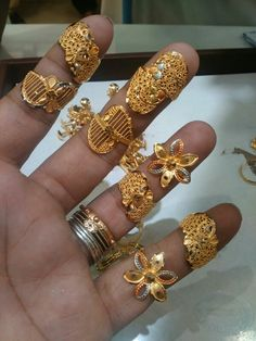 Bridal Rings Bridal Rings, Bridal Jewelry, Filigree Jewelry, Gold Jewellery, Gold Finger Rings, Gold Ring Designs, Gold Models, Gold Jewelry Simple, Indian Wedding Jewelry