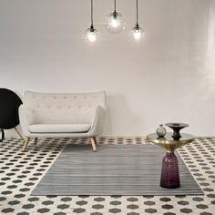 Midsummer carpet, white-graphite, by Woodnotes. Design by Ritva Puotila. Scandinavian Living, Buy Rugs, Nordic Design, Rugs Online, House Design, Design Shop, Branding Design, Furniture Design, Graphite