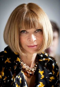 Anna Wintour wearing her signature necklaces. - One does not need a lot of jewellery if you love something!