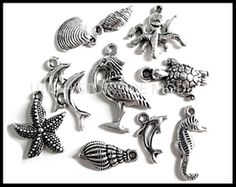 Breloque faune marine - UNE HISTOIRE DE MODE Les Themes, Cufflinks, Brooch, Charmed, Accessories, Jewelry, Textile Jewelry, Sea Theme, Wild Life
