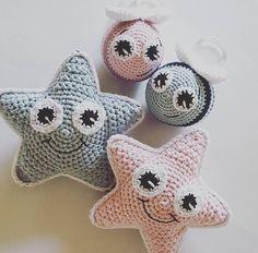 Stjernerangle – By Grarup Crochet Baby Toys, Cute Crochet, Crochet For Kids, Crochet Animals, Crochet Dolls, Baby Knitting, Knit Crochet, Amigurumi Patterns, Knitting Patterns