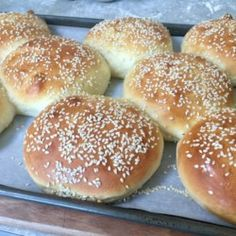 Fresh, flavorful hamburger buns are surprisingly easy to make yourself. They take almost 4 hours, but there's only a few minutes of actual hands-on time. Homemade Hamburger Buns, Hamburger Bun Recipe, Homemade Hamburgers, Bread Rolls, How To Make Bread, Bread Baking, Bread Recipes, Cooking, Biscuits