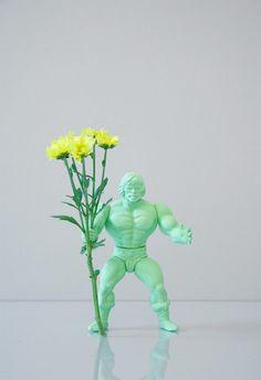 threadbare: DIY Inspiration: Neon Action Figures with Flowers