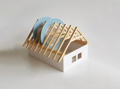 dish rack by Slovakian designer Veronika Paluchova. via rogerallen.net Dish Racks, Cuisines Design, Do It Yourself Home, Home And Deco, Decorating On A Budget, Little Houses, Household Items, Natural Materials, Dollar Stores