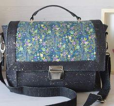 Sac Quadrille en liège luxe noir et imprimé fleuri cousu par Valérie - Patron Sacôtin