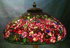 Trumpet Vine Shade - Created in 2003 Tiffany Lamps, Tiffany Lamp Shade, Stained Glass Lamps, Stained Glass Designs, Fused Glass, Flower Lamp, Large Lamps, Chandeliers, Light My Fire