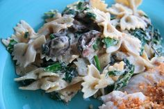 Look Who's Cookin' Now: Creamy Goat Cheese, Roasted Mushroom and Spinach Pasta