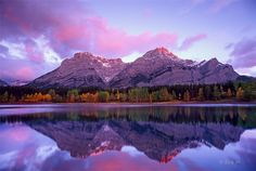 A mid-Sep morning after heavy rain/snow, we went to Wedge Pond near Banff National park and saw this amazing sunrise.