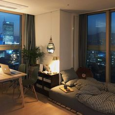 ┋ – Chic Home Office Design Room Design Bedroom, Room Ideas Bedroom, Home Room Design, Small Room Design, Bedroom Decor, Deco Studio, Appartement Design, Minimalist Room, Minimalist Lifestyle