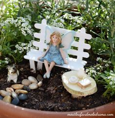 Have you ever seen a fairy garden? It is a miniature garden, a small magical world you can create in a flower pot or garden bed. This project is fun for the whole family. A fairy garden is a combination of a mini garden and an outdoor doll house. Mini Fairy Garden, Fairy Garden Houses, Fairy Gardening, Gardening Tips, Garden Gnomes, Fairies Garden, Gardening Books, Gardening Vegetables, Fairy Garden Furniture