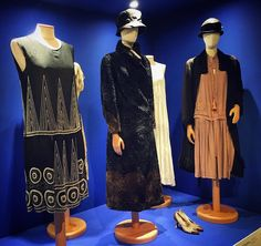 Are you ready to dance in your flapper dress? Interesting exhibition at #museoferragamo dedicated to the Italian arts and crafts of the 1920s and 1930s when Salvatore Ferragamo came back to Italy after his successful career as shoemaker of the movie stars in LA. #museoferragamo #fashionexhibition #inspiration #roaringtwenties