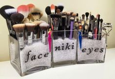Brilliant And Easy DIY Makeup Storage Ideas: Here are some brilliant and easy make up storage ideas which would help you arrange the entire make up accessories in a sorted manner. Diy Makeup Organizer, Make Up Organizer, Makeup Storage Organization, Make Up Storage, Diy Storage, Storage Ideas, Storage Solutions, Organization Ideas, Storage Organizers