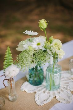 Wedding flower centerpiece  - photo by Love is a Big Deal - Clark & Arrow