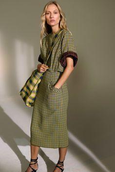 Derek Lam Spring 2019 Ready-to-Wear Collection - Vogue Fashion Runway Show, Fashion Show Collection, Fashion Week, Look Fashion, Trendy Fashion, Spring Fashion, Fashion Outfits, Fashion Design, Fashion Trends