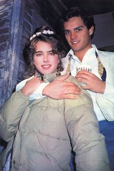 Brooke Shields & Martin Hewitt take a break while filming 'Endless Love' Endless Love 1981, Pretty Baby 1978, Brooke Shields Young, Vaquera Sexy, Beloved Film, Ft Tumblr, Calvin Klein, Movie Couples, Actrices Hollywood