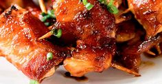 Des bouchées festives, parfaites pour votre prochain 5 à 7! Chicken Wings, Tapas, Meat, Food, Facebook, Poultry, Chicken, Recipes, Essen