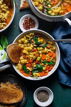 A meal-worthy Vegetable Pasta Soup with a little bit of everything: delicious vegetable broth, carrots, lentil, spinach, toothsome pasta.... Best Vegetarian Recipes, Indian Food Recipes, Great Recipes, Dinner Recipes, Healthy Recipes, Fall Recipes, Delicious Recipes, Tasty, Vegetable Pasta