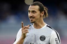 Op basis van het vertoonde spel in het uiteindelijk nipt gewonnen duel met Heracles Almelo (2-1) moet de kampioen van Nederland woensdag het ergste vrezen als Paris Saint-Germain naar de ArenA komt.