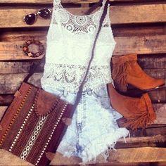 Un outfit muy fresco para este verano que aún no termina.  #fashion #boots #bag