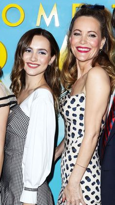 Leslie Mann exclusively told Us Weekly at the Welcome to Marwen premiere that daughter Maude Apatow doesn't listen to her acting advice — details! Leslie Mann, Golden Blonde, Celebrity Moms, Family Affair, Super Heros, Girl Names, American Actress, Cas, Hair Beauty