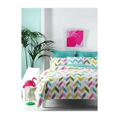 Linen House Vivid chevron duvet cover set (95 CAD) ❤ liked on Polyvore featuring home, bed & bath, bedding, duvet covers, chevron twin bedding, twin duvet set, king pillow shams, queen duvet set and queen bedding