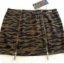 "Camouflage Mini Skirt Features Double Zipper Front with 2 Working Zippers & Stretchy Camo Cotton Material. MSRP $39 Measurements: Large : Waist 34-40"" Length 12"""