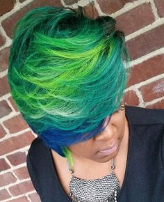 In love with these mermaid colors @teequezy_the_hairpistol   #orlandostylist…