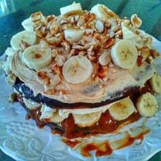 That time I saw a chocolate peanut butter caramel banana cake....  I think it worked out to about 1200 calories per slice