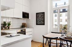 #homestyling #styling #kitchen #kök Nyrenoverat på Åsögatan   Move2