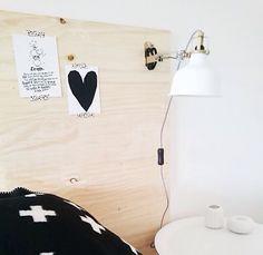 ★ houten underlayment plaat (29,95 euro ofzo) als achterkant van het bed