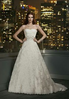 Hey Divas today we have 56 Exclusive Gorgeous Wedding Dresses By Justin Alexander. Style, glamour, amazing fit and exclusive fabrics make Justin Alexander Lace Wedding Dress, Wedding Dresses Photos, Gorgeous Wedding Dress, Wedding Dress Styles, Designer Wedding Dresses, Bridal Dresses, Wedding Gowns, Gown Designer, Weeding Dresses
