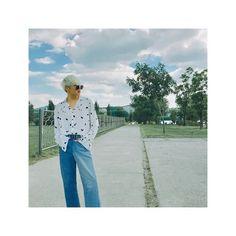 Kang Seung Yoon, Who Is Next, Kim Jin, Yg Entertainment, Bell Bottom Jeans, Mom Jeans, Capri Pants, Instagram Posts, Corner
