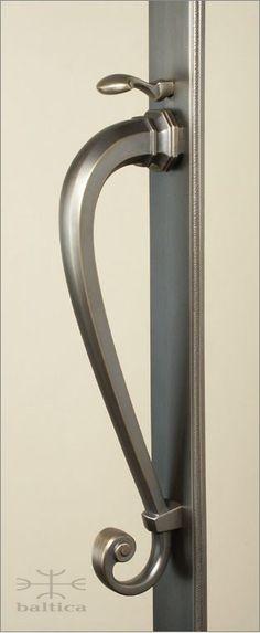 Sundance thumblatch A | brass | Custom Door Hardware handcrafted by master artisans | www.balticacustomhardware.com