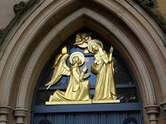 https://flic.kr/p/yn4vT2 | Blackburn Cathedral, Lancashire | NW doorway : detail - Annunciation by Siegfried Pietsch, 1965