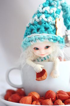 """Doll created by young artist from Russia nicknamed """"da-bu-di-bu-da"""" (also her deviant art name)"""