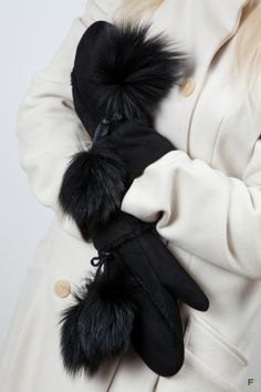 Fur Pom Pom, Gloves, Dress Up, Drawing, Leather, Outfits, Inspiration, Fashion, Fur Fashion
